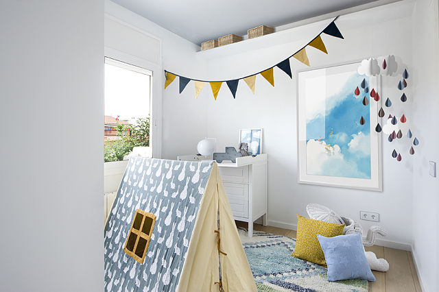 Decoración de habitación infantil de estilo nórdico