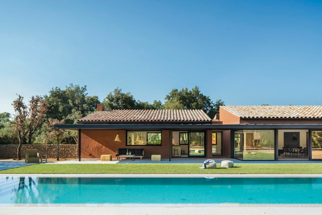 Arquitectura y diseño de jardín y piscina