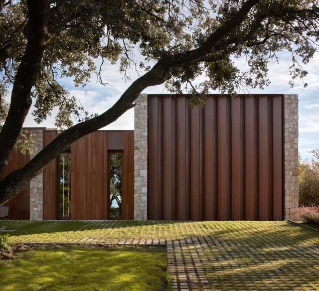 Diseño de casa minimalista en La Finca
