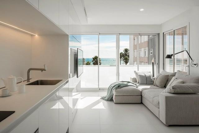 Apartamento de diseño minimalista con vistas al mar