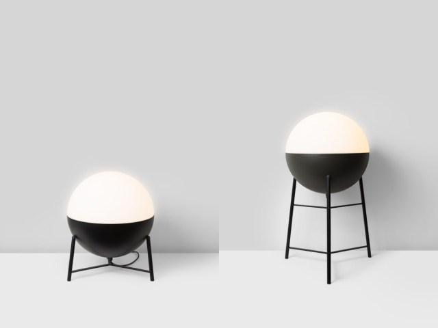 Lámpara de sobremesa Half sobre trípode metálico