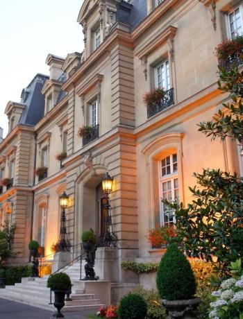 Saint James Paris facade jour