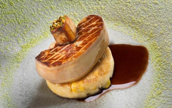 La Bouitte - Escalope de foie gras, galette de mais frais.