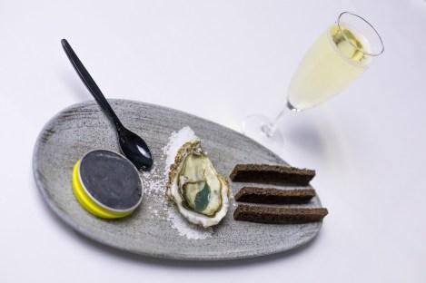 beurre de caviar et huitres de charente maritime