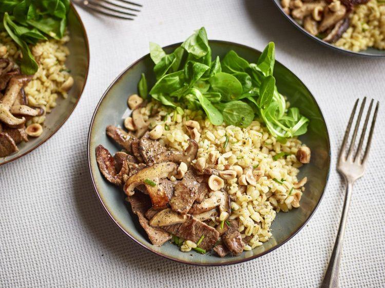 Salade tiède de blé à l'agneau_@Studio Wauters _ Agneau si simple si bon