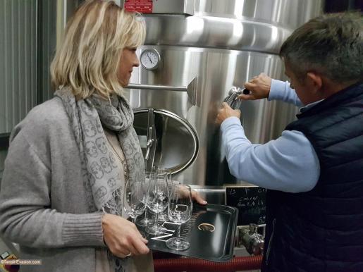 Champagne Colin - Delphine et Richard dégustation vin clair