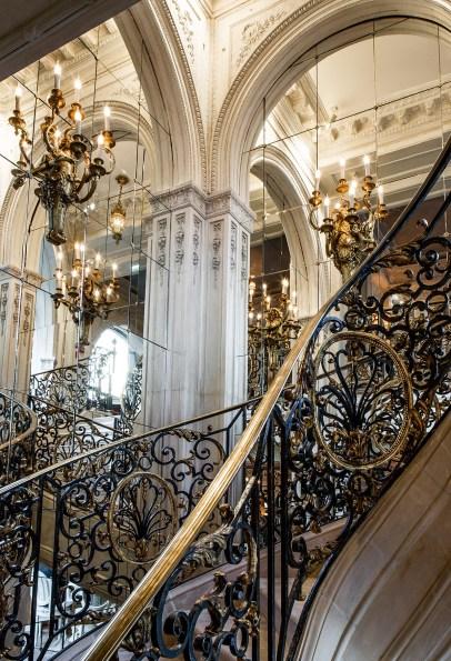 Café Pouchkine escalier TRI17112158
