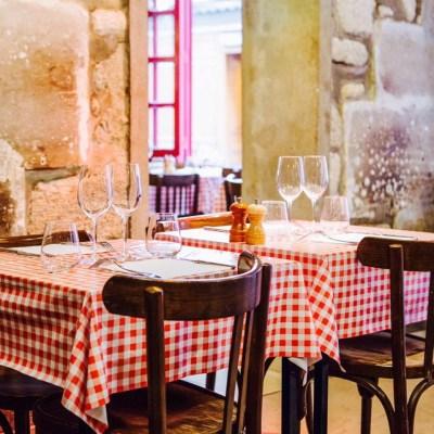 L'Enfance de Lard resto Paris table