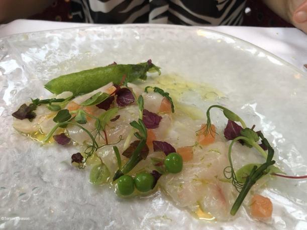 Dôme Montparnasse - Dorade Royale en sashimi marinée au citron vert et dés de saumon fumé