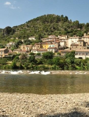 Roquebrun riviere village panoramique