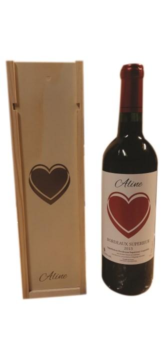 Vins pour saint valentin Caisse en Bois et Bouteille de Vin
