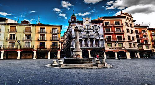Fuente y Plaza del Torico en Teruel - Hotel Sercotel Torico