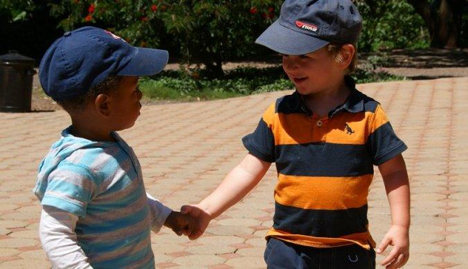 Julian met zijn vriendje bij Thloma Lodge