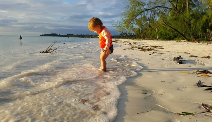 Met de voetjes in zee op Zanzibar