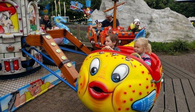 Vakantie in Nederland -uitje naar het pretpark