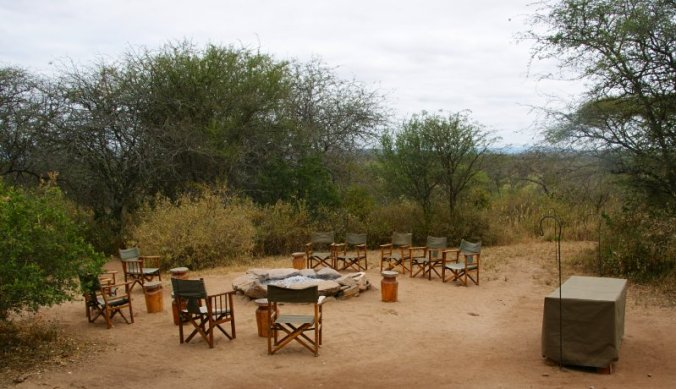Bush tv bij Olivers Camp in Tarangire