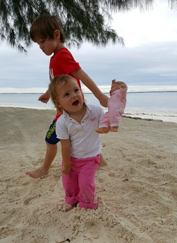 Te veel zand op strand van Zanzibar