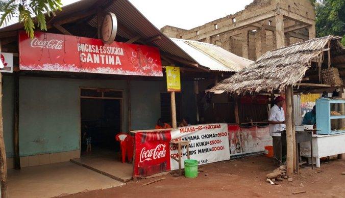Lokaal restaurant Micasa-es-sucasa in Mto wa Mbu