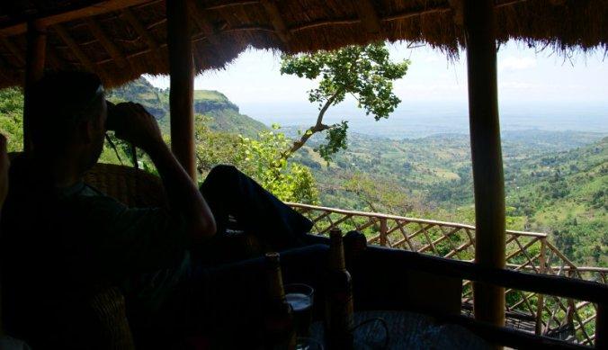 Genieten van het uitzicht bij Sipi Falls in Oost-Oeganda