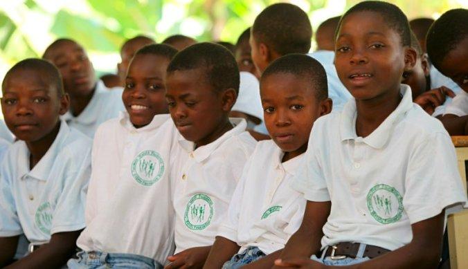 Studenten Watoto Foundation straatkinderen