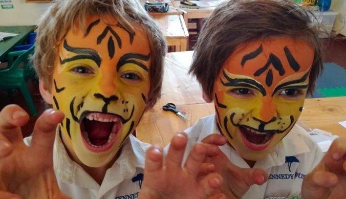 Birthday boys vieren hun zesde verjaardag