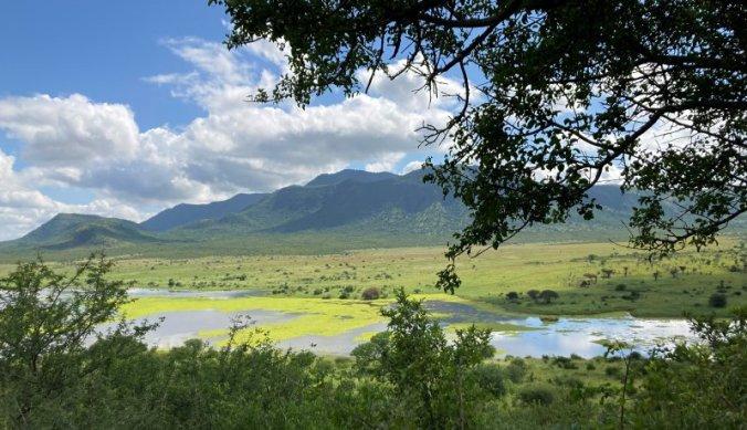 Prachtig landschap en meren in Mkomazi National Park