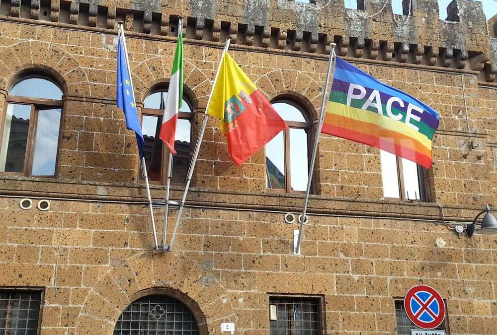 Sabato manifestazione CasaPound contro bandiera della pace a Cerveteri