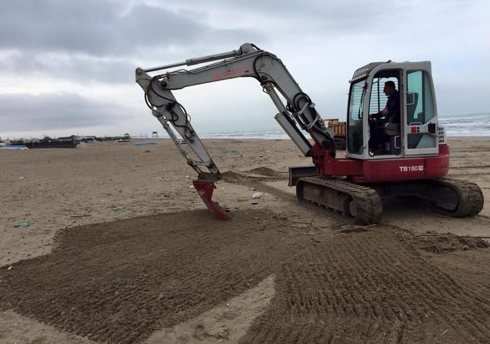 Campo di Mare, inizia il servizio di pulizia quotidiano delle spiagge