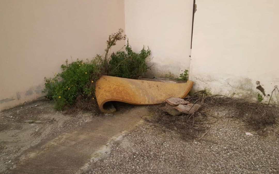 Hotel Messico a Ladispoli: struttura abbandonata tra rifiuti e topi