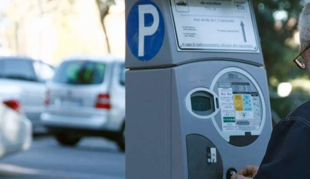 Civitavecchia: Da oggi sarà possibile pagare la sosta tramite smartphone