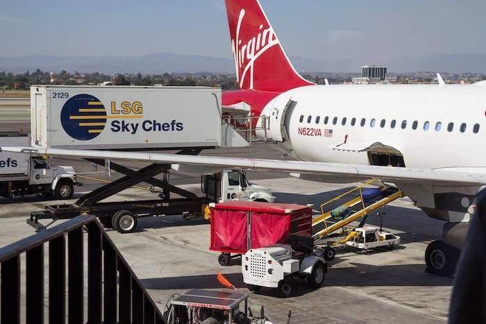 """Trasporto aereo, Ugl: """"Preoccupati per quanto accade in Lsg Sky Chefs e in Altea"""""""