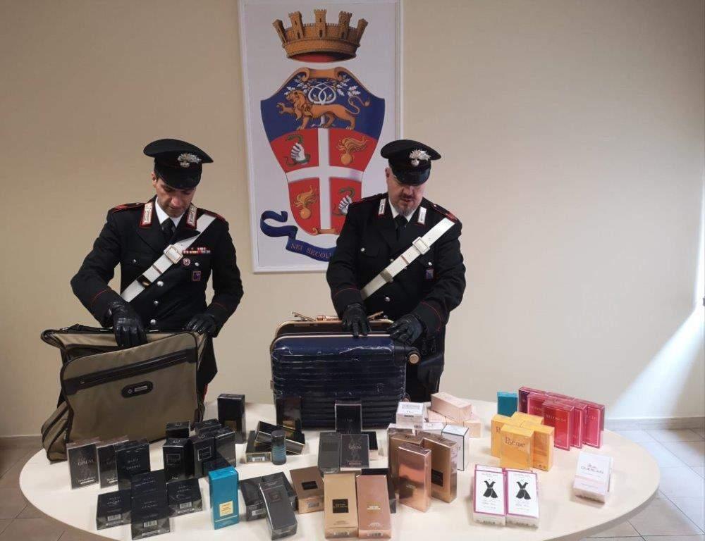 AEROPORTI - La merce recuperata dai Carabinieri