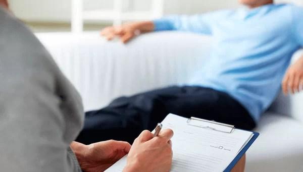 Trabalhador demitido ao voltar de tratamento psiquiátrico será reintegrado e vai receber indenização