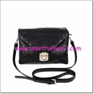 Derimod siyah kroko küçük çanta-219,50 TL