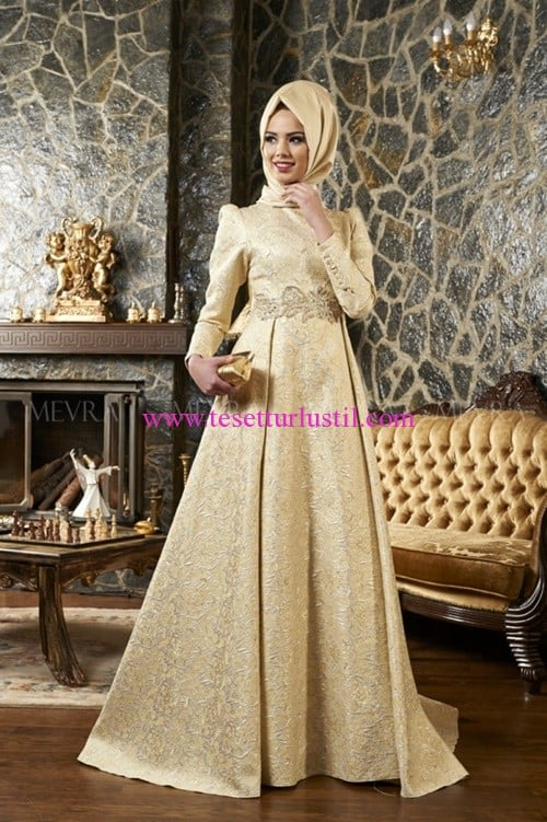 gold-kuyruklu-abiye-elbise-Mevra-460 TL