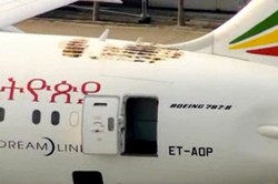 Ethiopian 787 that caught fire this past week at London's Heathrow Airport