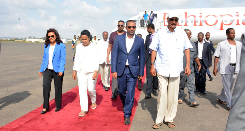Ethiopian Prime Minister Visits Eritrean Ports of Assab and Massawa