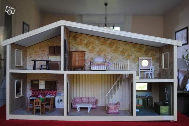 Maison De Poupe LUNDBY Collection