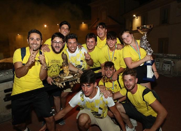 Il-quartiere-San-Fortunato-vince-la-Corsa-dei-Bovi-e-per-l'undicesimo-anno-consecutivo-l'ambito-Falco-d'Oro-copertina