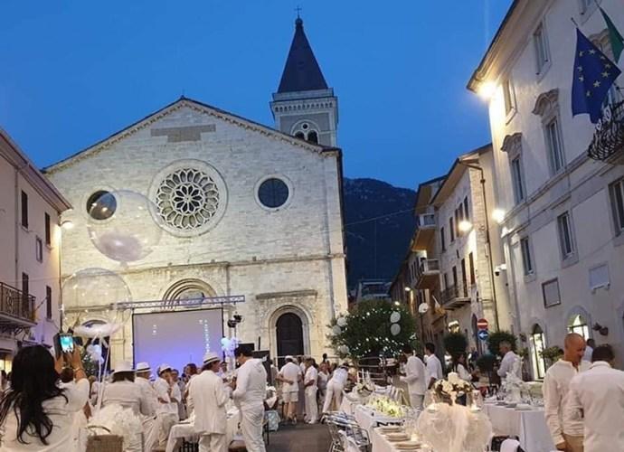 Cena-in-bianco-Gualdo-Tadino-copertina
