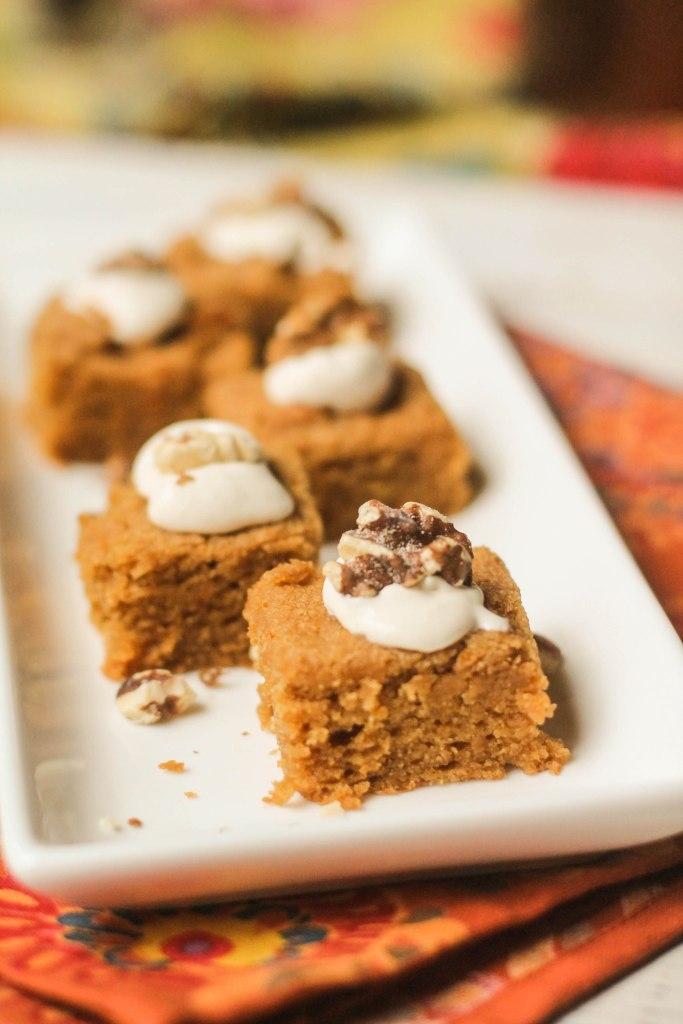 Paleo Pumpkin Bars w/ Brown Butter Cream Cheese Frosting #glutenfree #paleo #lowcarb