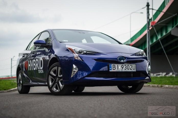 Nowa Toyota Prius PREMIUM 1.8 Hybrid 122 KM-E CVT fot. Jakub Baltyn (37)