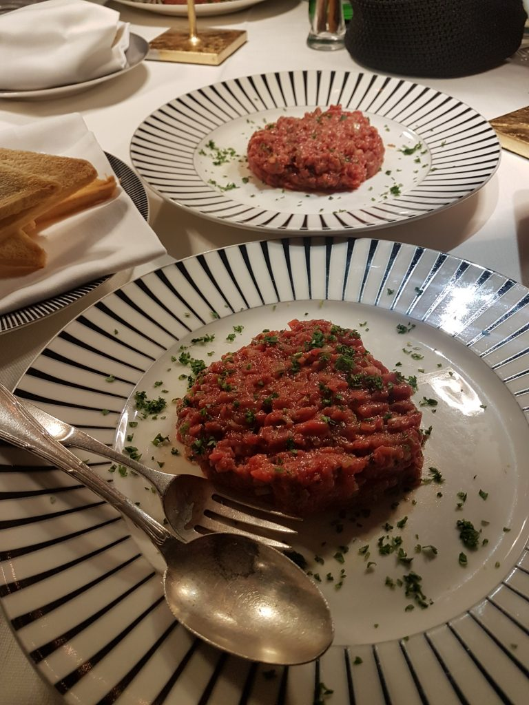 Review of dinner at Jackie O Rome, historic Rome nightclub. Jackie O restaurant has recently reopened.