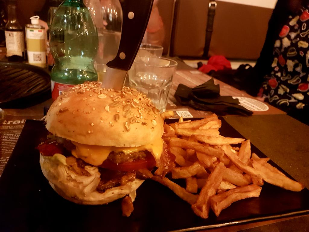 Burger Bar Grill is a good value steakhouse in Rome, offering burgers, meats, skewers, poutine and desserts. A review with menu and prices.