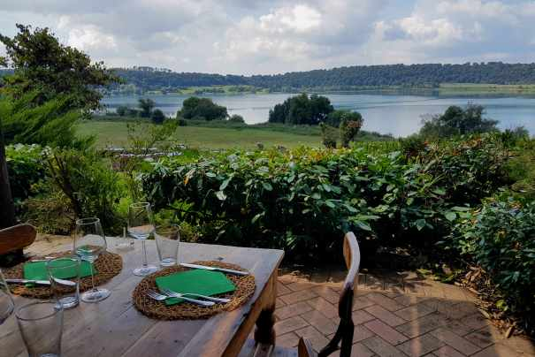 Agriturismo La Riserva di Martignanello: lunch by the lake near Rome