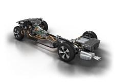 BMW 330e, Antriebsstrang und Motor001