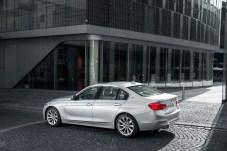 BMW 330e F30 021