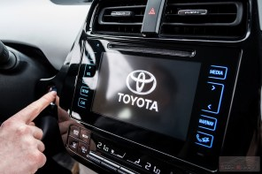 Nowa Toyota Prius PREMIUM 1.8 Hybrid 122 KM-E CVT fot. Jakub Baltyn (16)