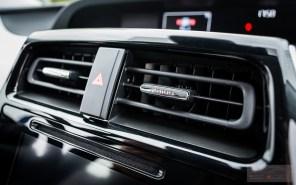Nowa Toyota Prius PREMIUM 1.8 Hybrid 122 KM-E CVT fot. Jakub Baltyn (17)