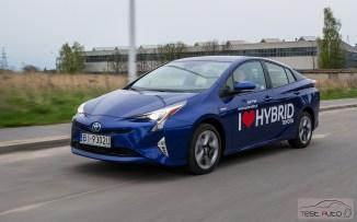 Nowa Toyota Prius PREMIUM 1.8 Hybrid 122 KM-E CVT fot. Jakub Baltyn (24)